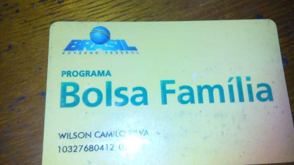 O atributo alt desta imagem está vazio. O nome do arquivo é bosa-familia-mendigo-1024x576.jpg